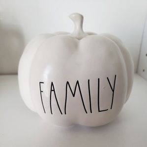 NEW Rae Dunn FAMILY Small White Pumpkin